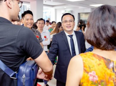 Mr. Ha Nguyen Van, CEO of Hahalolo Travel social network at the grand opening of the HCM City office, Vietnam